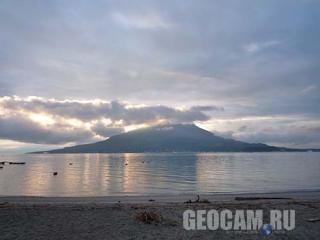 Вид на вулкан Сакураджима в реальном времени