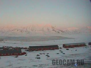 http://www.geocam.ru/images/cams/l/8_longyearbyen_webcam.jpg