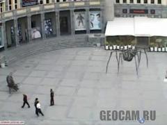 Веб-камера на площі Шарля Азнавура