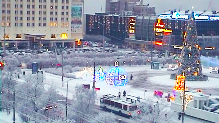 «Five corners» square webcam: Five Corners Square in winter