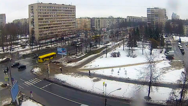 Webcam at the intersection of Science Avenue and Butlerov Street, Saint Petersburg