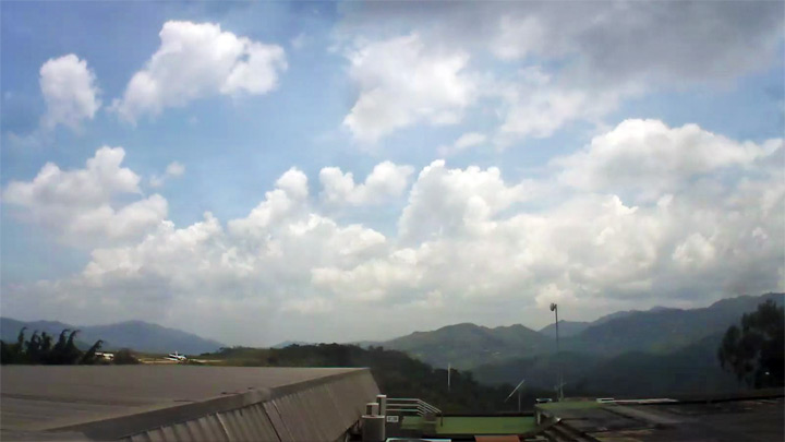 Caracas airport webcam: west view