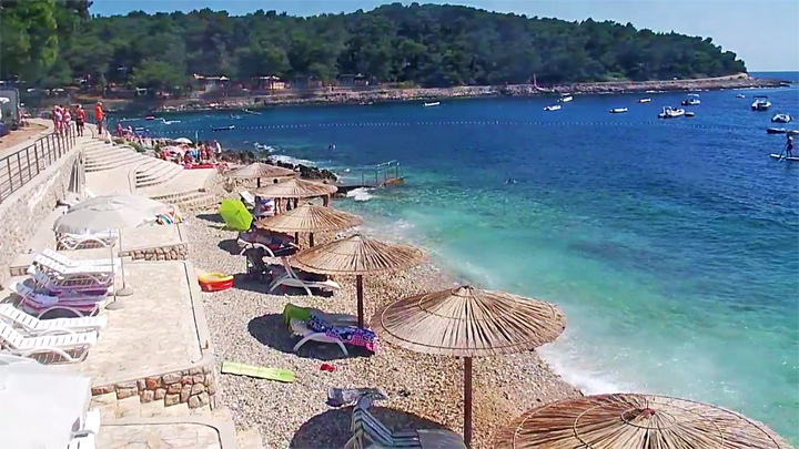 PTZ webcam in Cicat Cove in Croatia: Cicat Cove