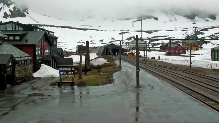 Live webcam of the railway station Finse: platform