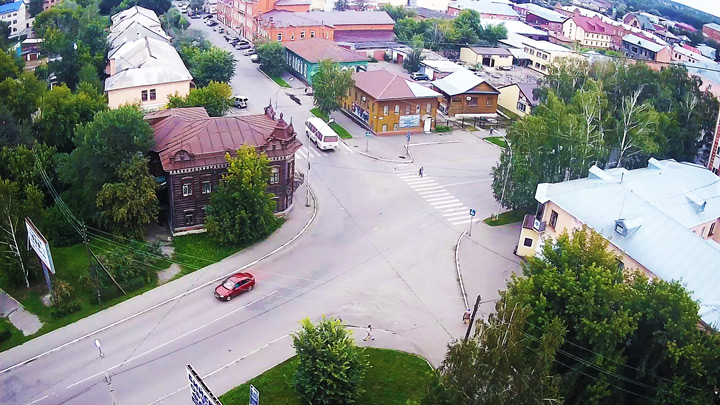 Webcam at the intersection of Gilev/Tolstoy