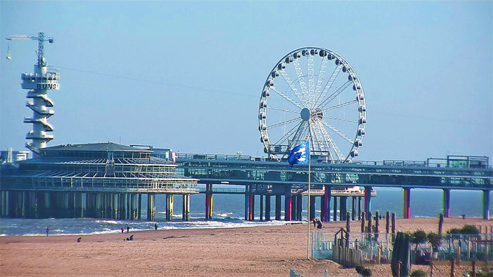 PTZ webcam on the beach of Scheveningen: Ferris wheel «SkyView Pier»