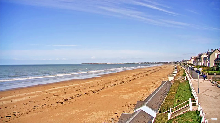 PTZ webcam on Jullouville beach: View of the beach in the municipality of Joulouville