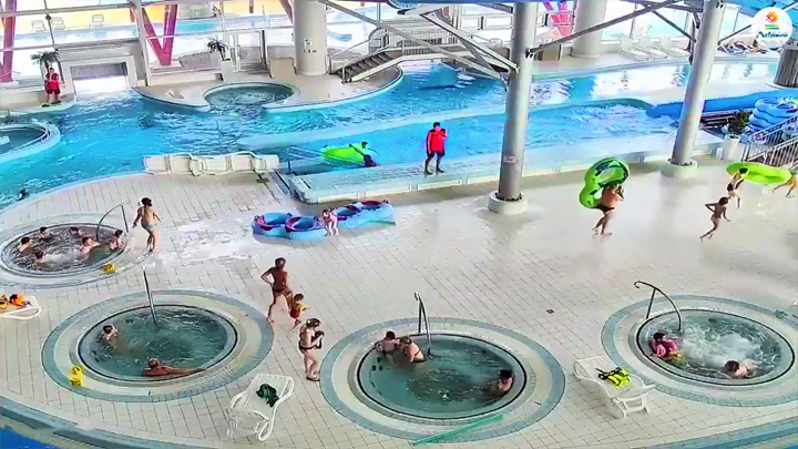 PTZ webcam of the water park «Lebyazhy», Minsk: Jacuzzi in front of the web camera of the water park «Lebyazhy», Minsk