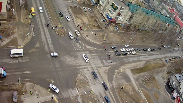 Webcam at the crossroads of Lenin - Neftyanikov