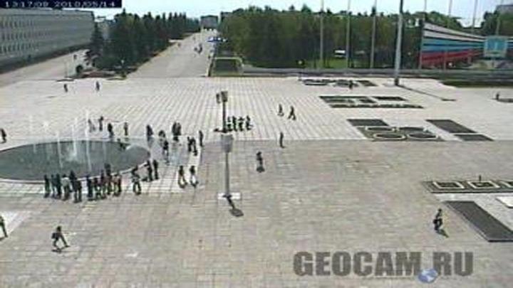 Площадь возле Мемориального центра