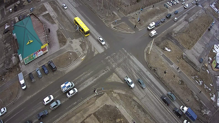 Webcam at the intersection of the Mir - Dzerzhinsky