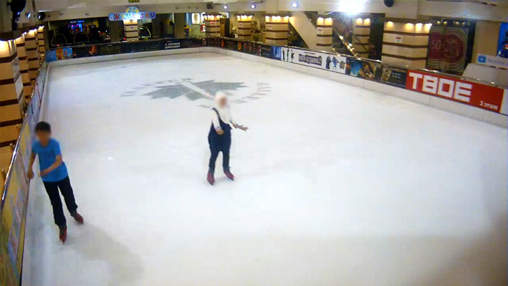 The skating rink in the shopping mall «Gallery»