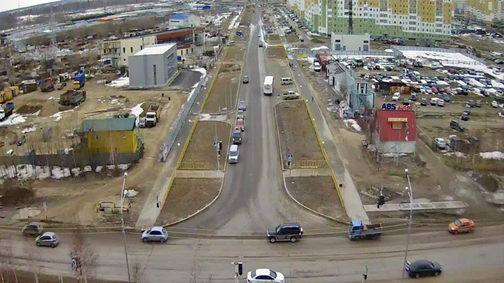 Webcam at the crossroads of Khanty-Mansiysk - Trade Union