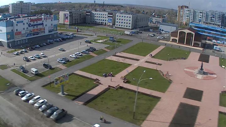 Веб-камера на аллее у ТРЦ «Чайка» в Прокопьевске