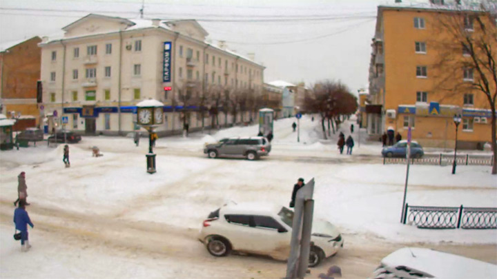 Online webcam on the Radishchev boulevard in Tver city: Online webcam on the boulevard Radishchev Tver