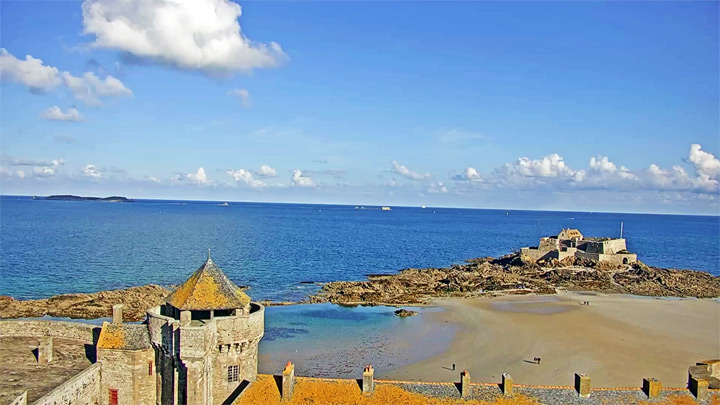 Saint-Malo PTZ webcam, France