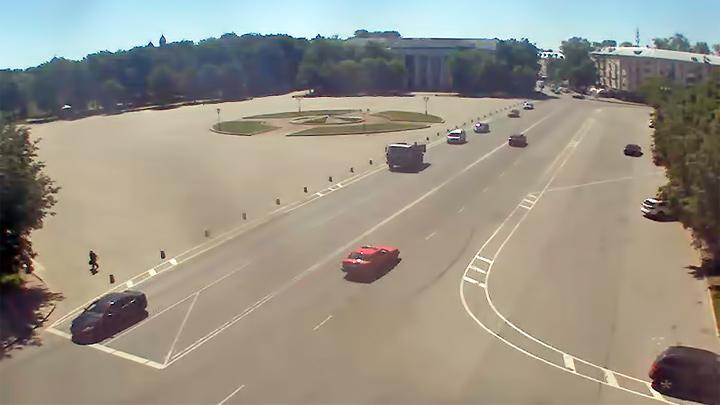Веб-камера на площади Победы-Софийская, Великий Новгород